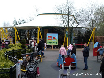 Duplo Theatre at Legoland Windsor - covered but open air